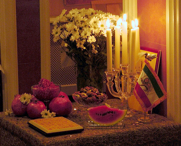 Yalda_Night_Table_Amsterdam_2011_Photo_by_Pejman_Akbarzadeh_Persian_Dutch_Network